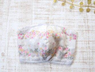 大きめ・大人用5重立体マスク*フィルターシート用ポケット付き 花とレース・グレー×生成りの画像