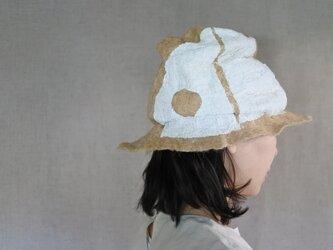 wool と cottonでつくられた春夏のハット 2.の画像