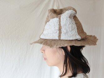 wool と cottonでつくられた春夏のハット 3.の画像