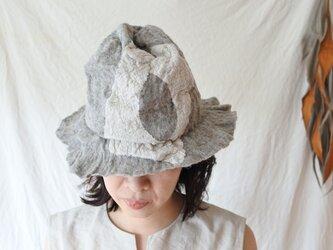 wool と cottonでつくられた春夏のハット 4.の画像