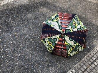 e118-アフリカ布日傘の画像