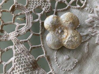 四つ葉のブローチ (ゴールド)の画像