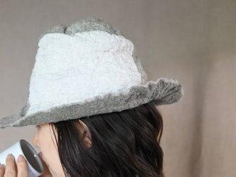 wool と cottonでつくられた春夏のハット 10.の画像
