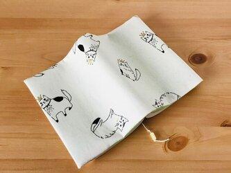 猫のブックカバー 文庫本用の画像