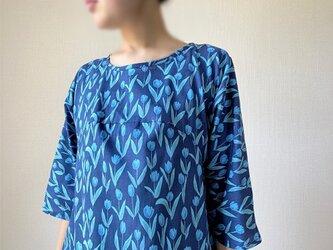 青色チューリップ*フレアワンピース*シンプル五分袖*コットン100%の画像
