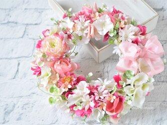 ふんわり あかるく ピンクの花々:wreathの画像