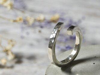 でこぼこ シルバーフラットリング フリーサイズ 2.5mm幅 鎚目 シルバー950 SILVER 指輪 シンプル 248の画像