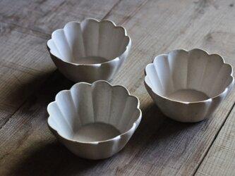 輪花切立3.5寸鉢/白の画像