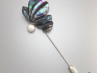 螺鈿と蒔絵の漆黒ピンブローチ|6.5mm玉あこや真珠使用の画像