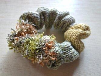 ハンドニットのリネンシュシュ・ Grass greenの画像