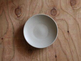 シンプルな丸皿 白 6寸18cmの画像