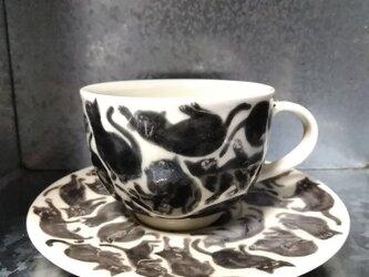 猫びっしりのカップ/ソーサーの画像