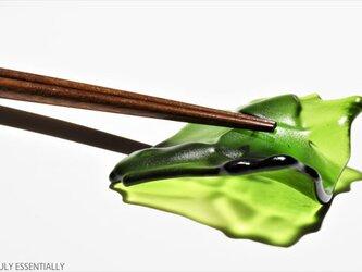 5個セット ● ガラスの箸置き - 「みどりのガラス」・ 緑色の画像
