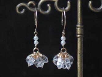 ハーキマーダイヤモンドのフラワーピアス・イヤリング変更可の画像