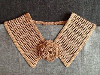 レース編み*つけ襟(ブローチ付き)の画像