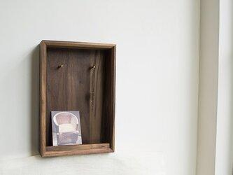 受注生産 職人手作り キーボックス ウォールラック 真鍮 木製 木目 木工 天然木 無垢材 ウォールナット タモ材 エコの画像