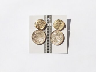 博多織モチーフがゆれるゴールドイヤリング(RY-29)シャンパンゴールドの画像