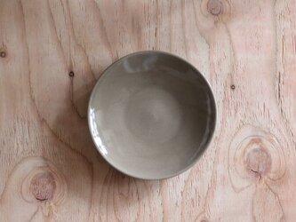 シンプルな丸皿 グレージュ 6寸18cmの画像