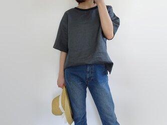 リブ付リネンサイドスリットTシャツ<グレー>の画像