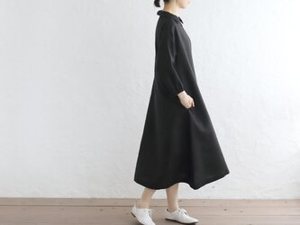 ラクな着心地 『リネン クラシカルワンピース』 七分袖 Aライン (ブラック)の画像