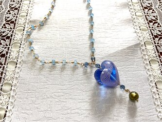 ベネチアンガラスとブルークヲーツのネックレスの画像