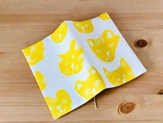 猫の顔のブックカバー(黄色) 文庫本用の画像