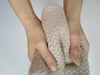 手織りハンカチ 汗をしっかり吸収してくれるコットンハンカチ ベージュの画像