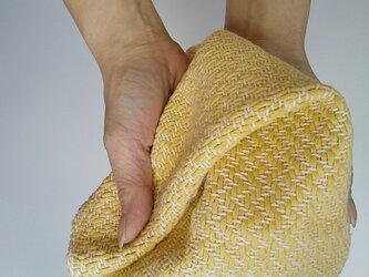 手織りハンカチ 汗をしっかり吸収してくれるコットンハンカチ イエローの画像