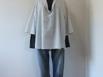 綿麻ストライプのスキッパーシャツ【ホワイト】の画像