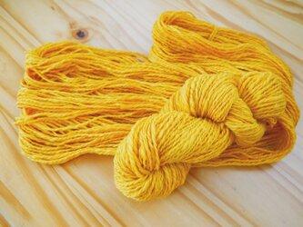 手紡ぎ糸<メリノ× こがね花染め>の画像