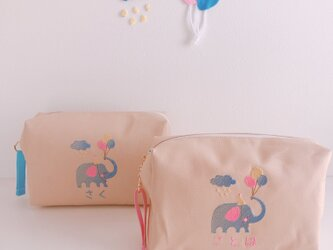【おむつポーチ】【名入れ】象さんと風船 お名前 オーダー 刺繍   ベビー 出産祝い 赤ちゃん【無料ラッピング】 fuusenの画像