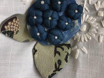 ヴィンテージ縮緬 ブルーの紫陽花ブローチの画像