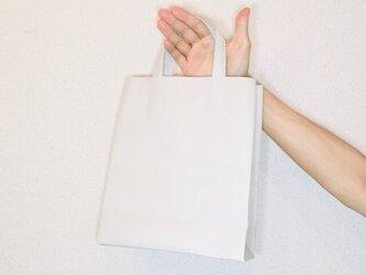 豚革 ライトグレー 紙袋型 ショッピングバッグ トートバッグの画像
