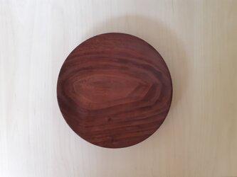 ウォールナットのケーキ皿の画像