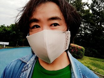 【舞台俳優さんの贅沢メンズサイズマスク】息がしやすいコットン100%大人ベージュと不織布3重フィルター芯を使った形状記憶マスクの画像