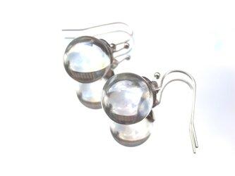 ピアス シャボン玉のようなガラス玉のピアス 透明クリアカラーの画像