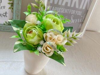 フラワーアレンジメント(造花) 『グリーングリーン』の画像