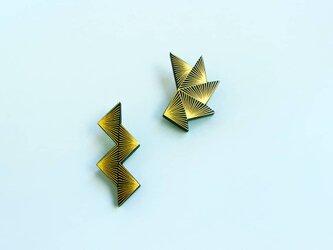 伝統工芸截金ピアス《polygon 2》の画像