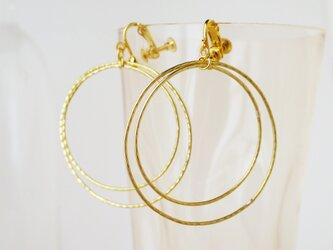 フープの真鍮製イヤリング(ピアス)の画像