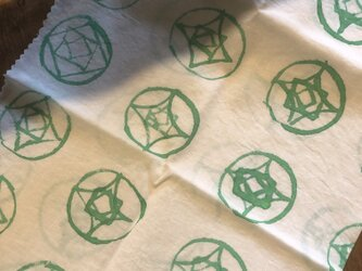 handpaintedcloth(green rose)の画像