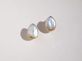 金箔パールのイヤリング/Moon drops/受注生産の画像