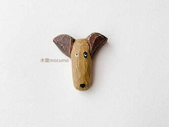 【再販】クスノキのブローチ *ぶち犬* の画像