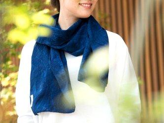 Organic Cotton 藍染 夏のマフラー【ボタニカル織り柄】の画像