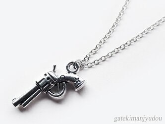 ピストルのネックレス【長さ変更可】の画像