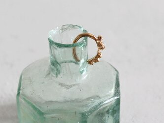 ミモザのイヤーカフ [ gold 片耳 ]の画像
