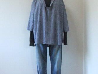 綿麻ストライプのスキッパーシャツ【ネイビー】の画像