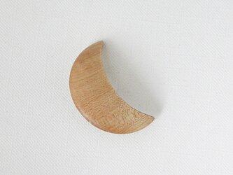 ブローチ -カエデ月-の画像