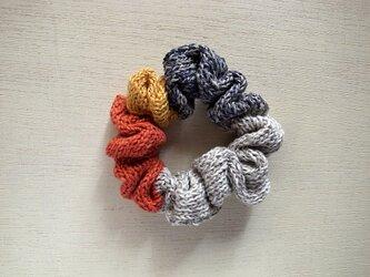 ハンドニットのリネンシュシュ・ multicolorの画像