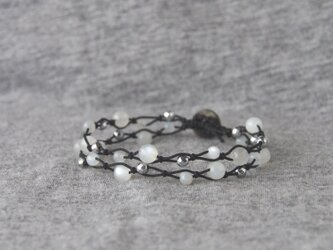 White Moon Bracelet -black-の画像
