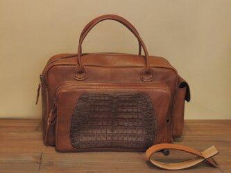 【1点物】クロコ×牛革 贅沢パッチワークのボストンバッグの画像